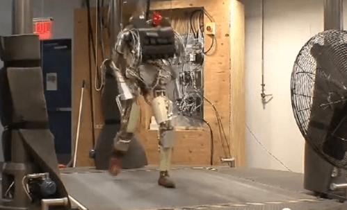 Robô com gingado faz sucesso no Youtube