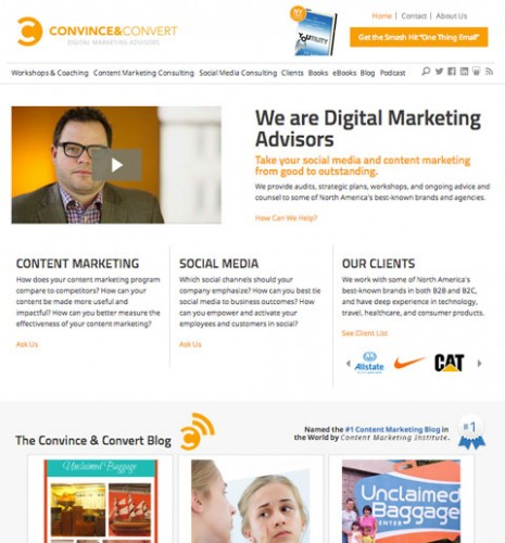 Use chamadas para seu blog em sua home page.