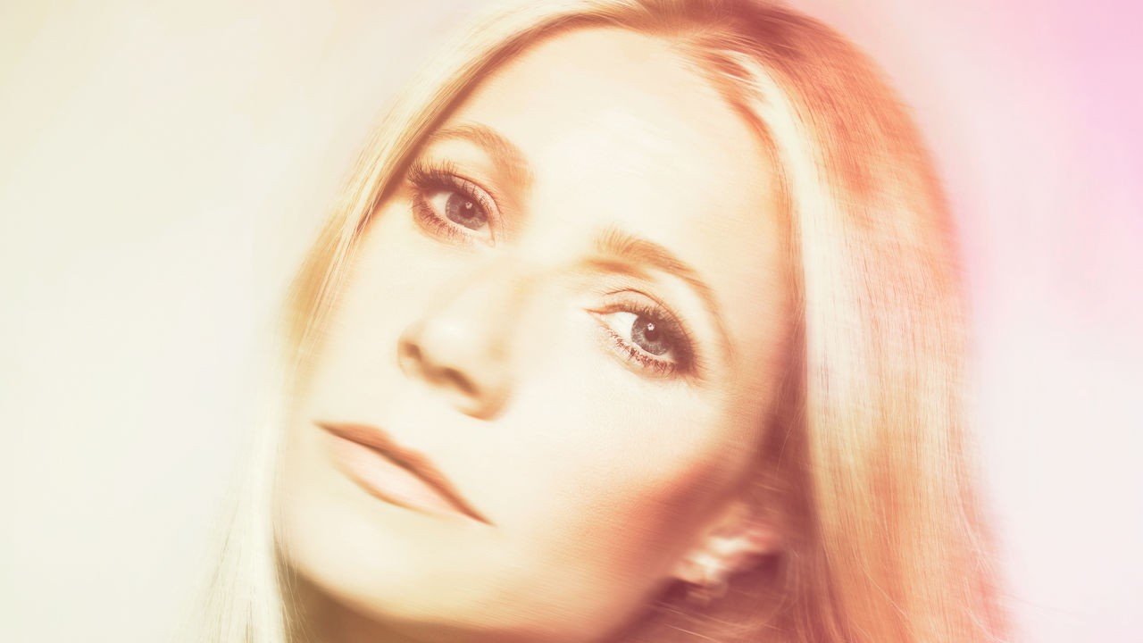 3048346-poster-p-2-gwyneth-paltrow-goes-to-market